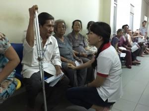 170 người nghèo được mổ mắt miễn phí