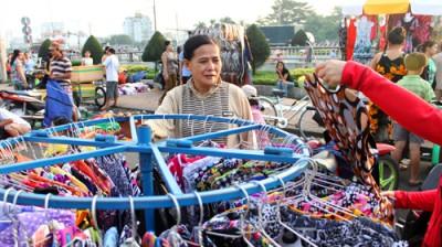 Sau lưng những thành phố thợ: Chuyện dì Tám làm công nhân