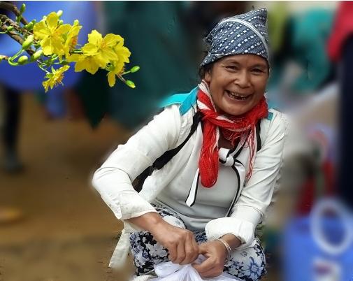 500 bà con dân tộc Xê Đăng nhận quà Tết