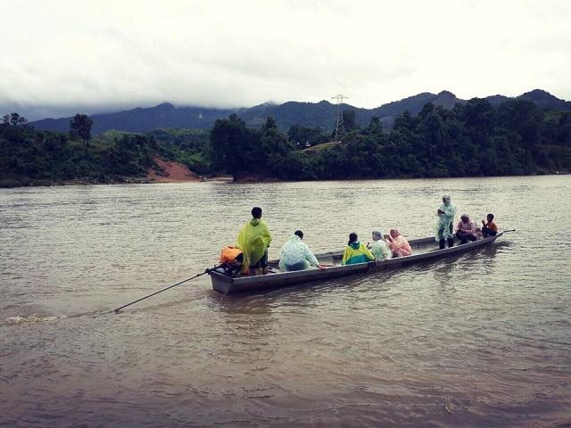 Vận động xây dựng cầu Chân Rò trên sông Đakrông - Quảng Trị