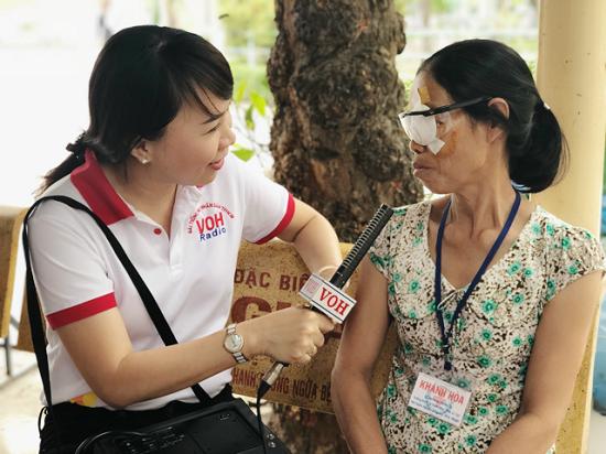 Mổ mắt cho người nghèo đón tết - tại Bệnh viện Nguyễn Trãi
