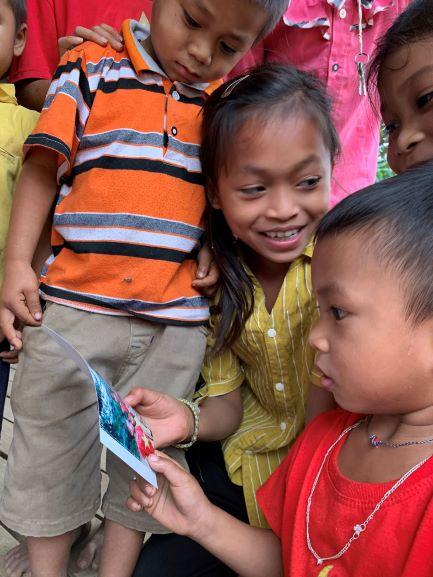 Khoảnh khắc dấu yêu - Lời yêu thương từ Sát cánh cùng gia đình Việt